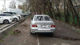 Парковка на тротуаре на Московской-Гоголя