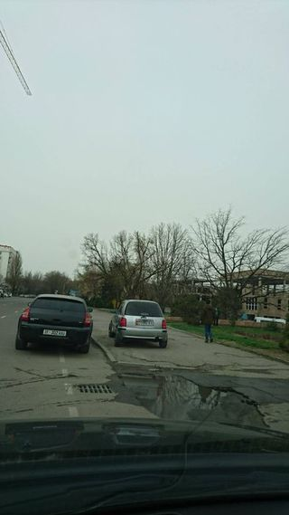 Парковка на тротуаре на Фрунзе-Шопокова
