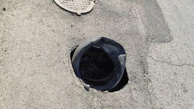 Горожанин жалуется на состояние дорог вокруг рынка «Дордой». Фото