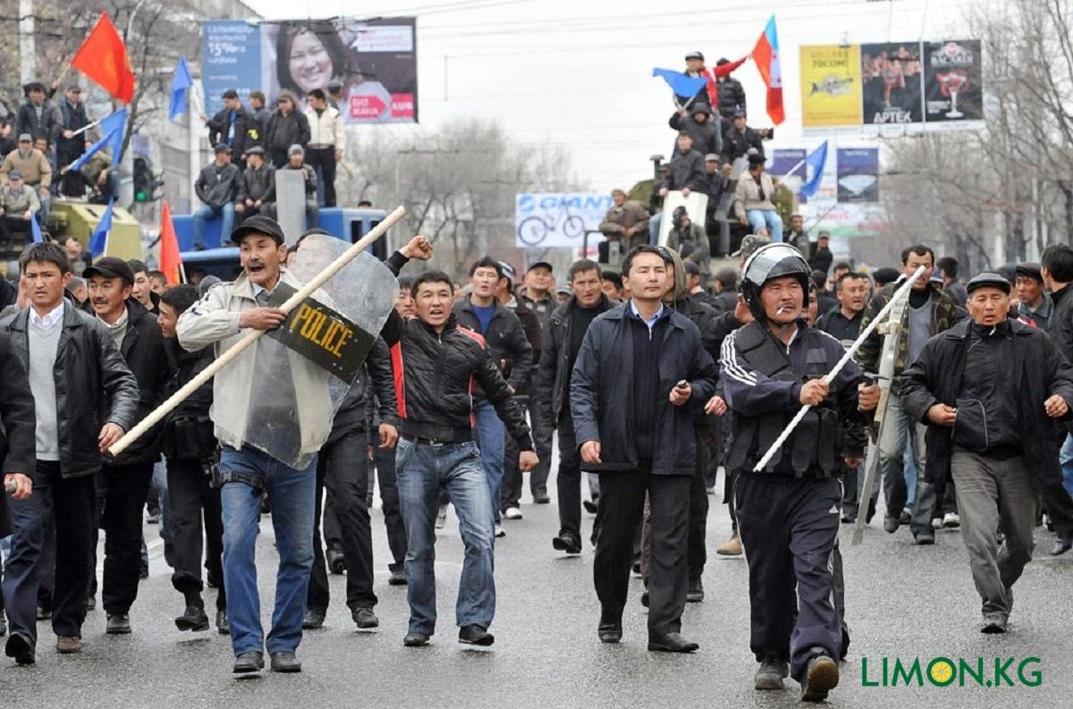 Айбек Бусурманкулов на апрельской революции
