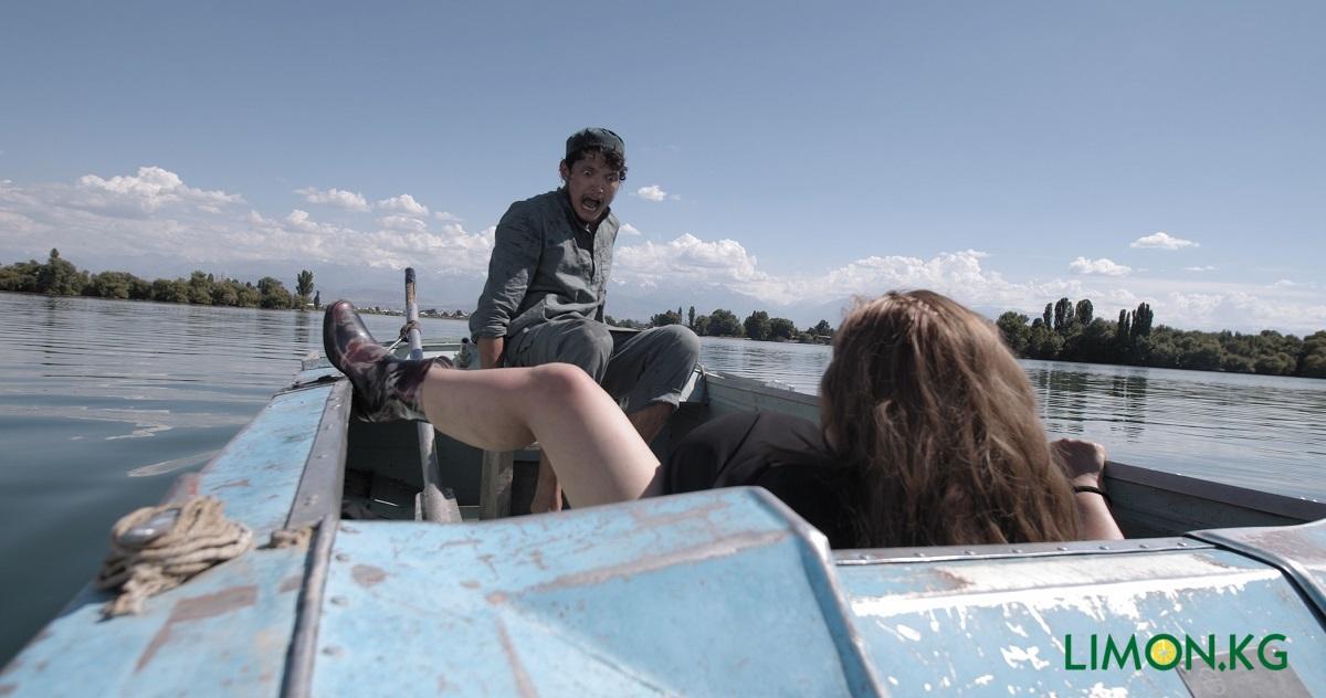 на лодке 1